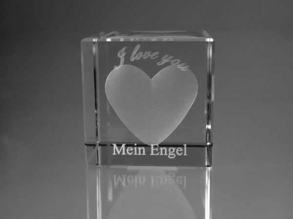 """I love you"" im Glaswürfel mit Text"