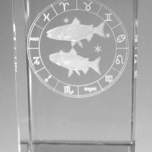 Sternzeichen Fisch in Kristallglas gelasert