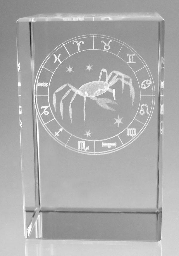 Sternzeichen Krebs in Kristallglas gelasert