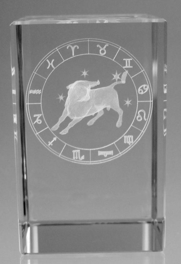 Sternzeichen Stier in Kristallglas gelasert