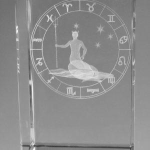 Sternzeichen Wassermann in Kristallglas gelasert