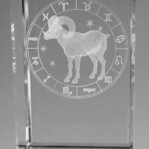 Sternzeichen Widder in Kristallglas gelasert