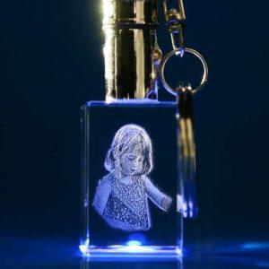 Laser Foto im Schlüsselanhänger mit blauer LED